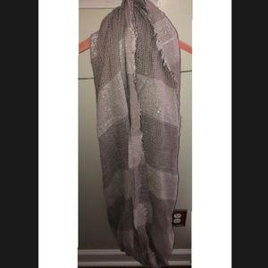 Grey circle scarf